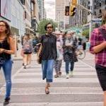 Peatones tecnológicos: un peligro mortal que crece en el mundo