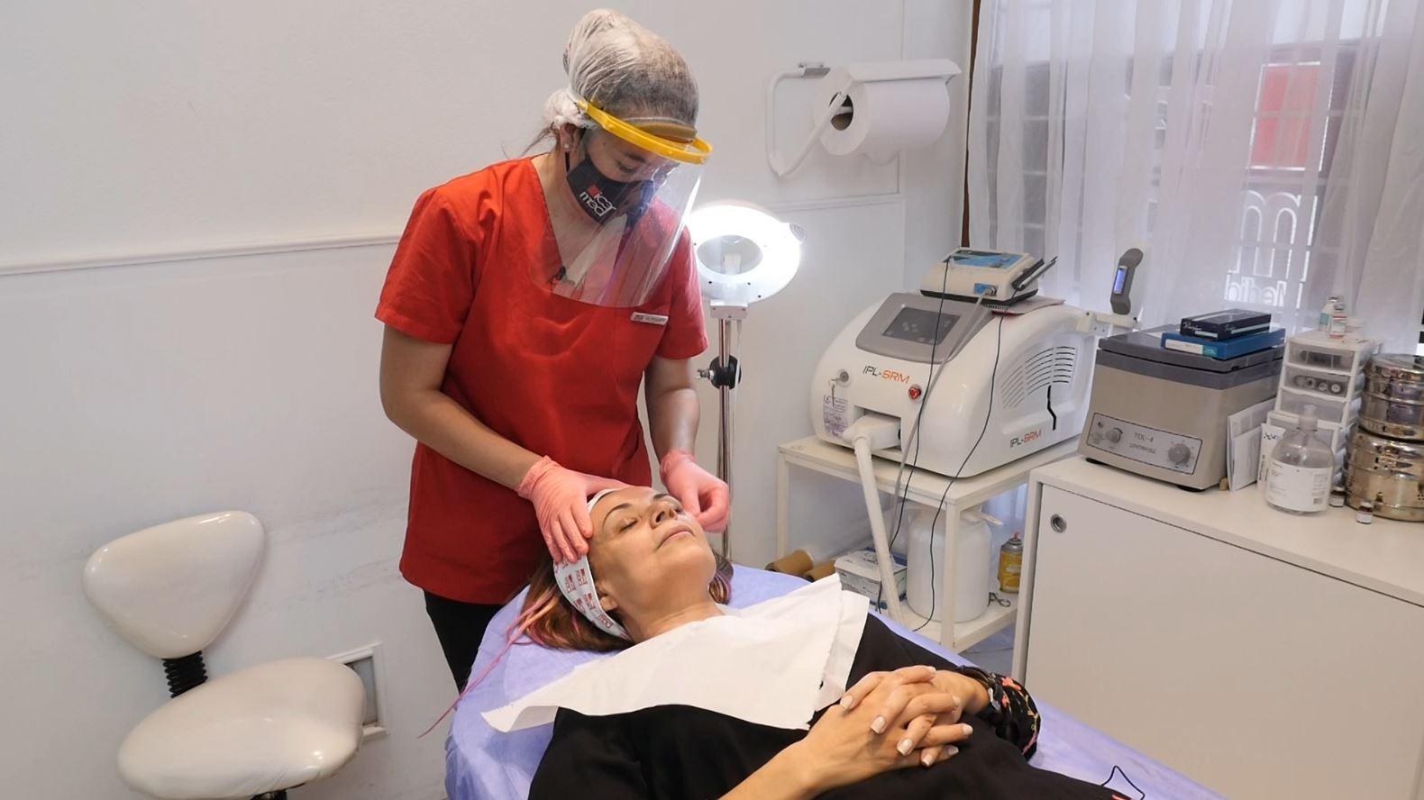 Vanina probó la mesoterapia facial en ICERMED